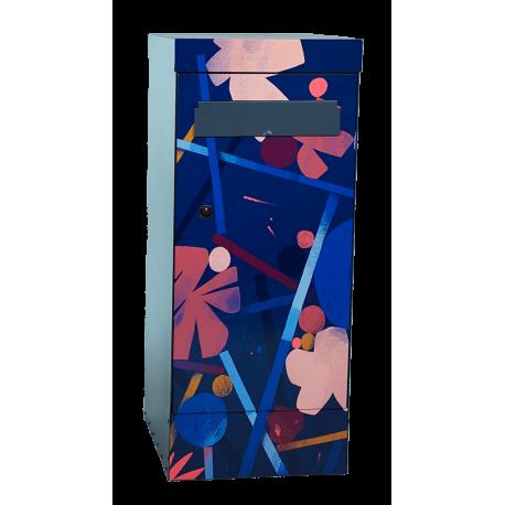 Boîte à colis et à lettres lotus street art